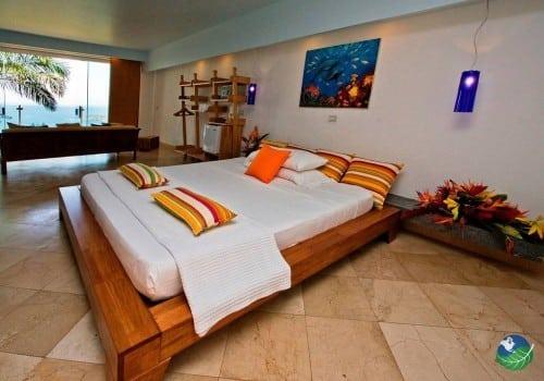 Hotel La Mariposa Bedroom