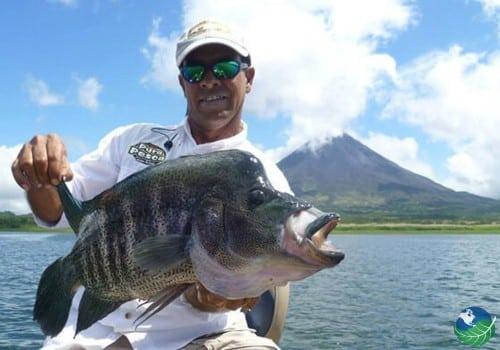 Fishing Lake Arenal big fish