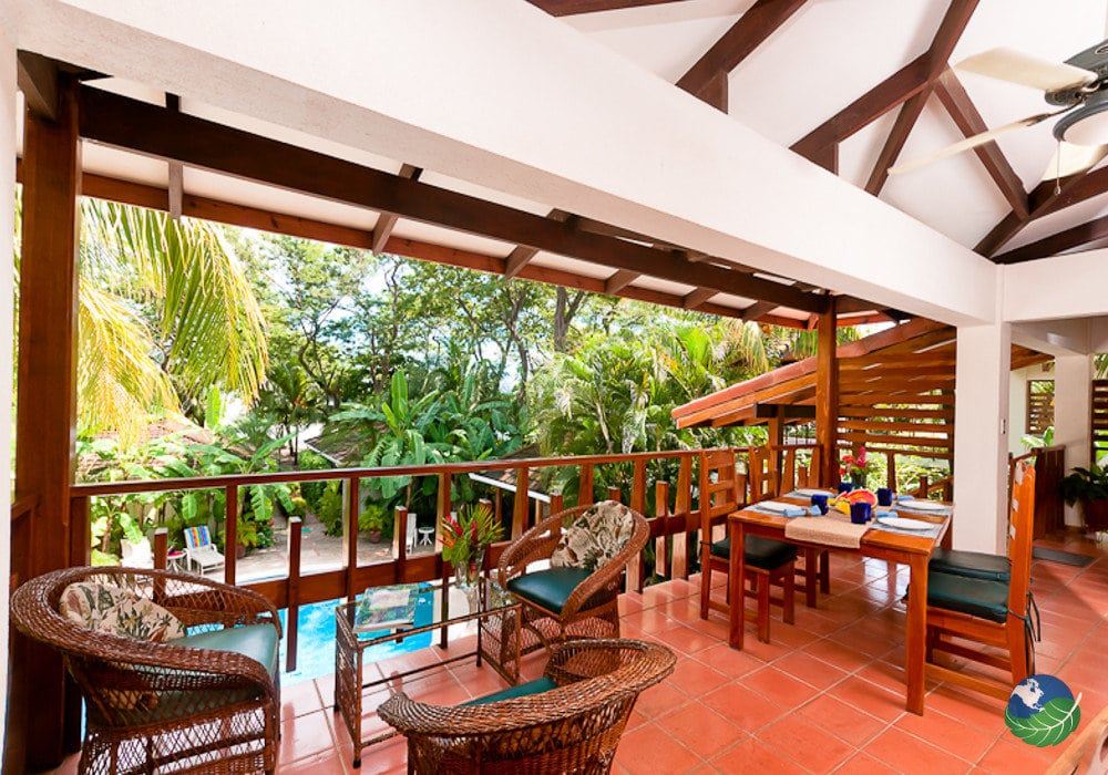 casa cook tamarindo beachfront perfection costa rica. Black Bedroom Furniture Sets. Home Design Ideas