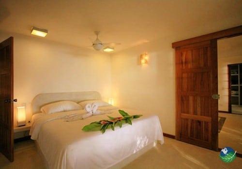 Hotel Tropico Latino Bedroom
