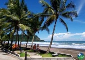 Playa-Jaco-Benches