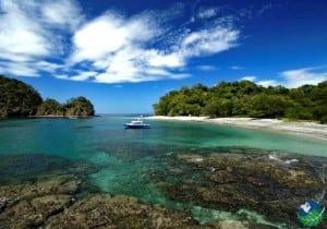 Playa-Ocotal-Boat