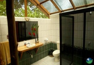 Rafiki Safari Lodge Bathroom