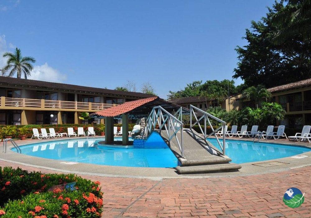 terraza del pacifico beach hotel hermosa jaco costa rica. Black Bedroom Furniture Sets. Home Design Ideas