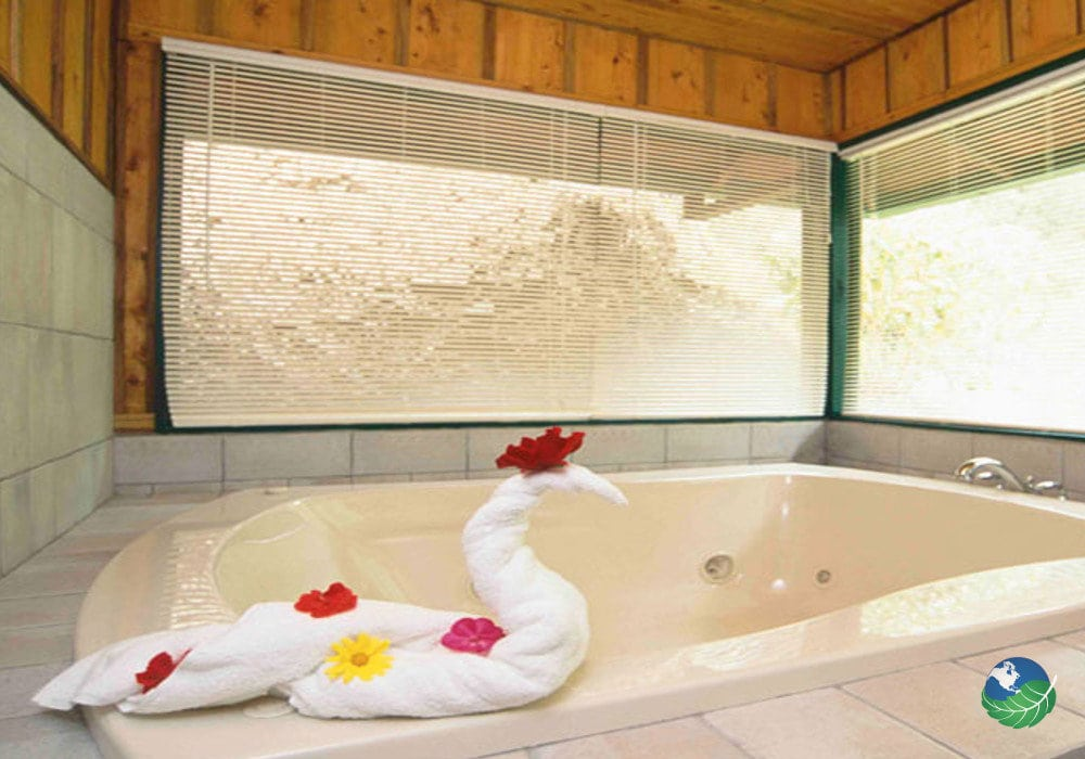 Trogon Lodge Bathroom