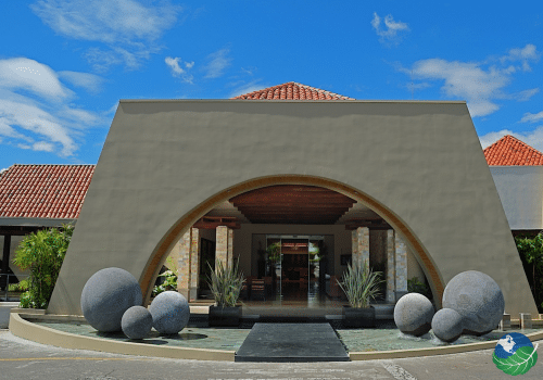 wyndham san jose herradura Entrance
