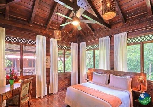 Room, Tortuga Lodge