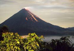 Volcan Arenal Lava