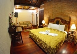 colonial king suite