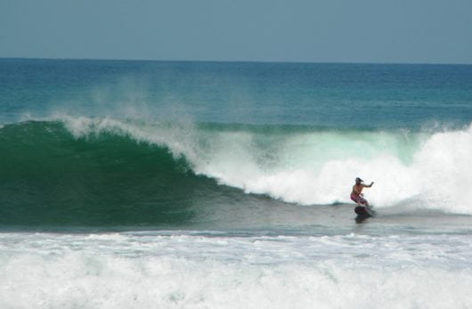 Playa Hermosa Surfing